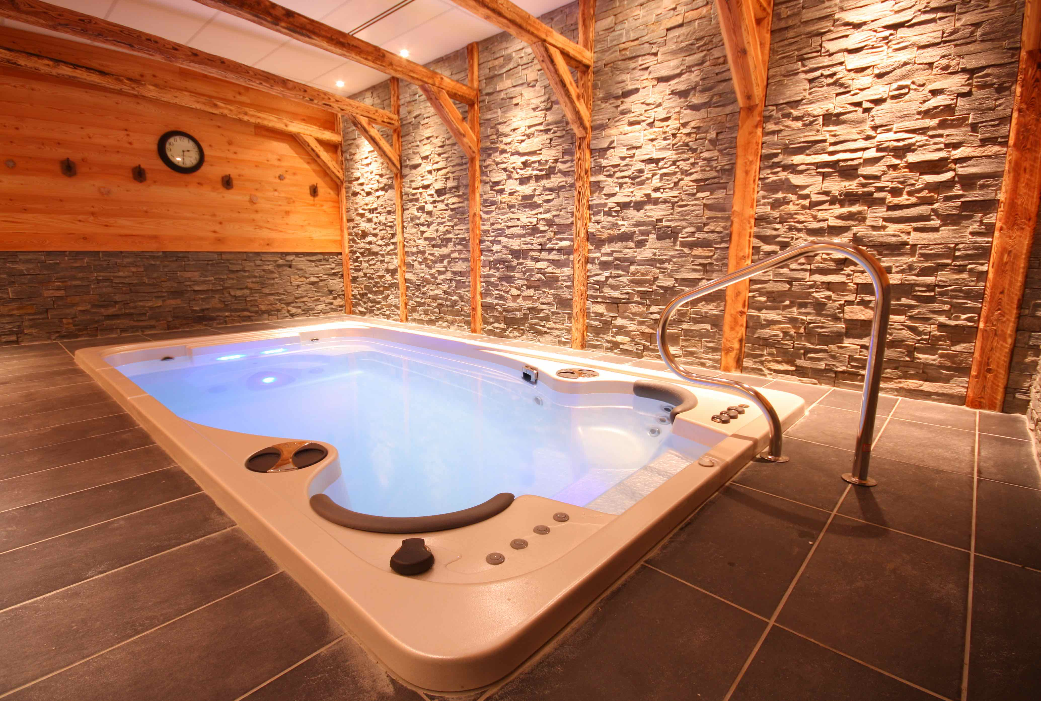 kodiak in city hot vacation tub with side soft home bd vacasa park ut private rental unit